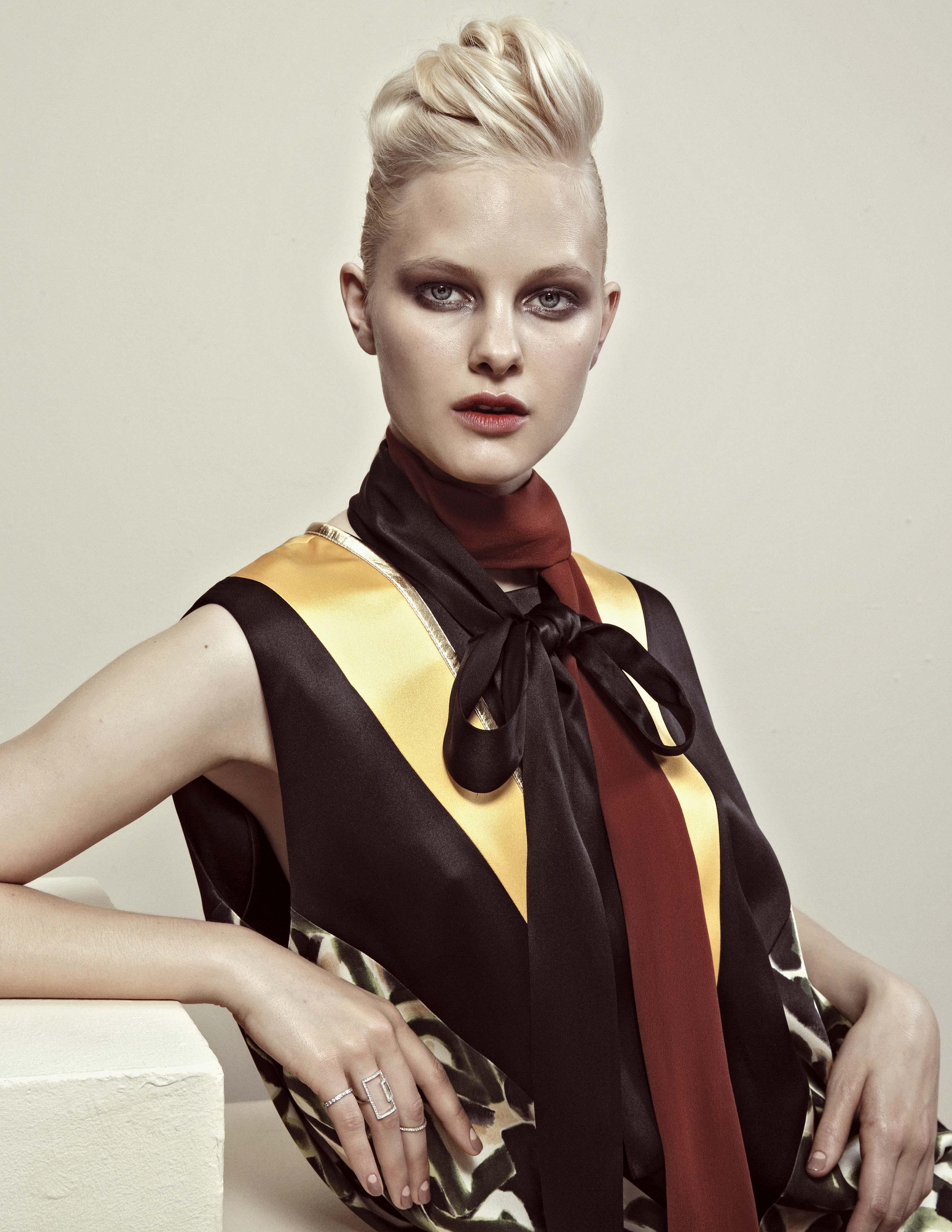 Anna foster fashion stylist